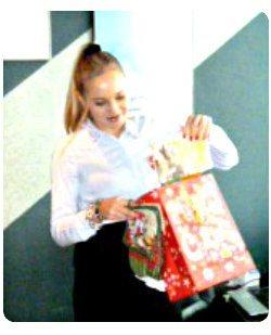 Катя Подарки от Деда Мороза